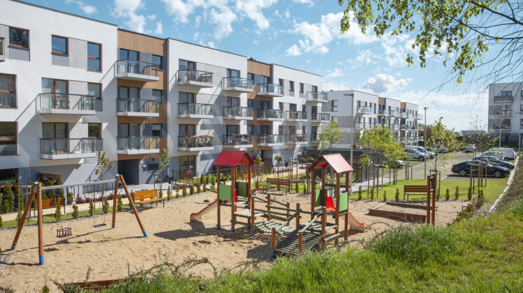 Na osiedlu powstały tereny rekreacyjne i plac zabaw dla dzieci.