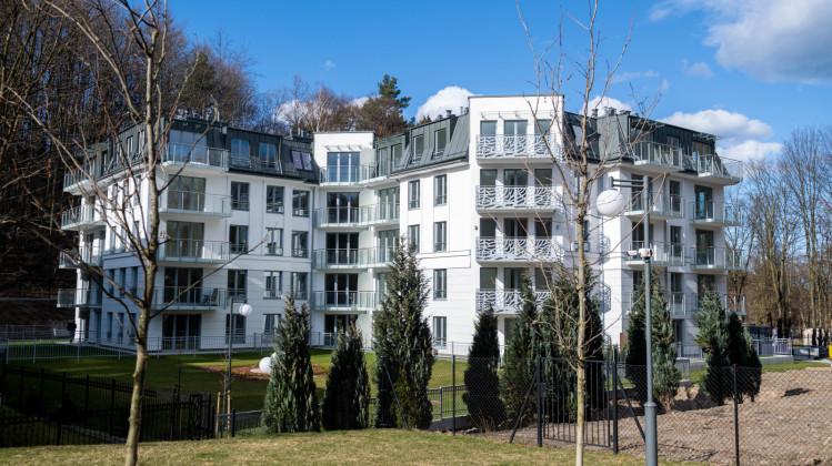 Apartamentowiec oddany do użytku na początku 2021 roku.
