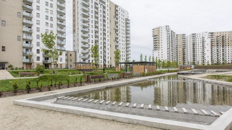 W 2020 roku na osiedlu oddano kolejne budynki 17 piętrowe wraz z zielonym otoczeniem.