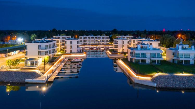 Pierwszy etap inwestycji z prywatną mariną dla właścicieli apartamentów.