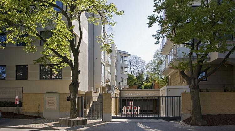 Kompleks Orłowska Bryza jest zamknięty dla osób z zewnątrz.