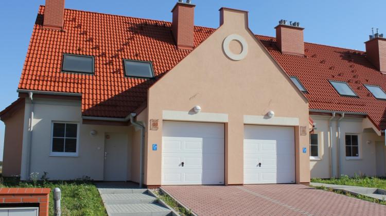 Domy oddane do użytku na Osiedlu Cztery Pory Roku w 2011 roku.