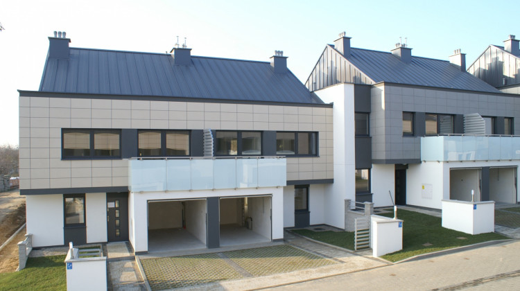 W 2011 roku oddany zostały domy zbudowane w ramach pierwszego etapu inwestycji.