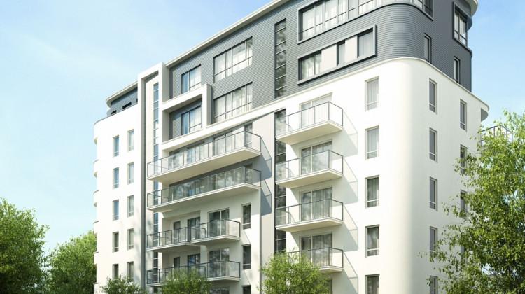 Budynek swoją bryłą i detalem architektonicznym nawiązuje do typowego dla Gdyni modernizmu.