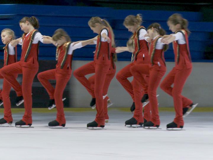 W ubiegłym roku mistrzowski tytuł świętowały łyżwiarki Olivia Dance.