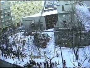 Mężczyzna wszedł na wieżę kościoła w Gdyni