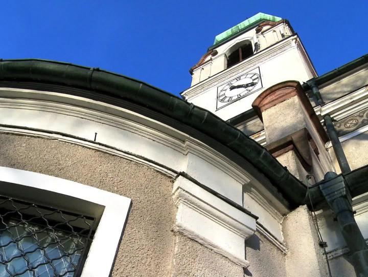 Książęca para podarowała mu chrzcielnicę, gauleiter Gdańska Albert Forster wziął wnim ślub, apo ostatniej wojnie przejęli go jezuici. Zobacz neobarokowy kościół wDolnym Wrzeszczu.