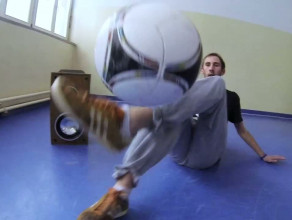 Piłka nożna w wersji solo, czyli freestyle football
