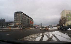 Kierowcy krążyli po drogach przy Amber Expo