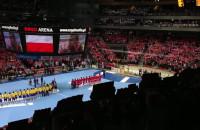 Hymn Polski przed meczem ze Szwecją