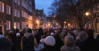 Marsz milczenia w rocznicę katastrofy w Smoleńsku