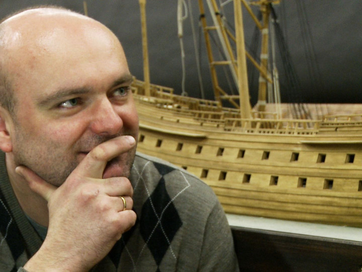 Zobacz makietę XVII-wiecznej stoczni, którą buduje Jarosław Kosmalski.