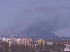 Pożar dachu Teatru Muzycznego w Gdyni - widok z gdańskiego Zieleniaka