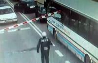 Policjant zapobiegł katastrofie na przejeździe kolejowym