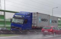 Ciężarówka wjechała w barierki na Obwodnicy Trójmiasta