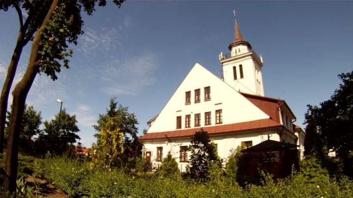 Była tu ujeżdżalnia koni, centrum Polonii gdańskiej, anawet magazyn Luftwaffe. Zobacz kościół św. Stanisława Biskupa Męczennika we Wrzeszczu.