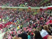 Fruwajace szaliki na gdańskim stadionie