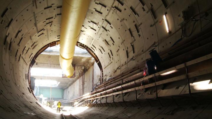 Zobacz wnętrze tunelu po wydrążeniu 462 m.