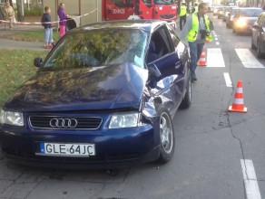 Zderzenie tramwaju z samochodem we Wrzeszczu