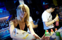 Bikini bar, czyli przegrany zakład - Mewa Towarzyska - Nocne życie Trójmiasta