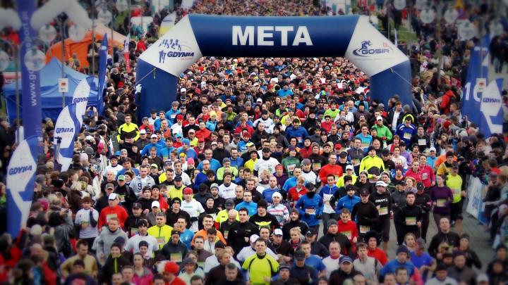 W Biegu Niepodległości dobiegło do mety ponad 5 tys. uczestników.