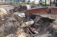 Skutki pęknięcia rury wodociągowej pod ul. Wałową