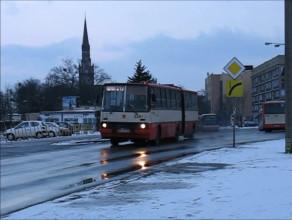Ikarus 280 uchwycony w rejonie dworca we Wrzeszczu w 2006 r.