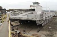 Przygotowania do wodowania aluminiowego statku