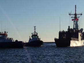 Wejście do portu tureckiego okrętu TCG Gaziantep
