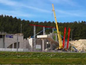 Montaż pierwszych konstrukcji stalowych przystanku Niedźwiednik