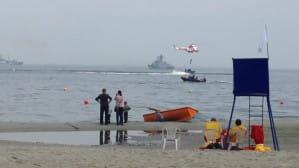 """Pokazowa akcja ratunkowa załogi śmigłowca """"Anakonda"""" w Gdyni"""