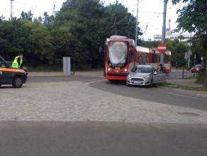 Zderzenie samochodu z tramwajem
