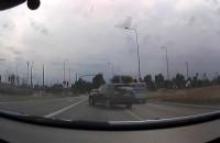 Jadąc w prawo skręcił najpierw w lewo