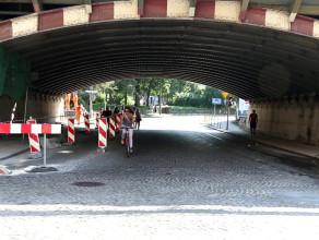 Wiadukt kolejowy w rejonie ul. Dmowskiego