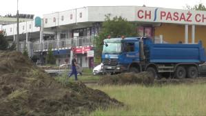Niwelacja terenu pod centrum handlowe na Chełmie