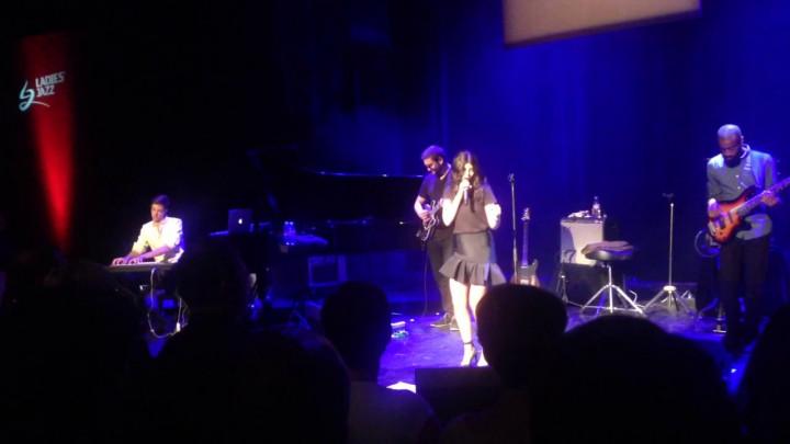 Zobacz fragment koncertu Nikki Yanofsky.
