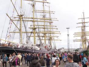 Tłumy oglądały żaglowce w Gdyni