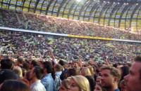 DJ rozgrzewa publiczność przed koncertem Justina Timberlake'a