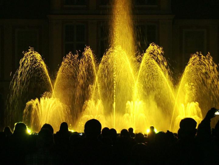 Tańczące fontanny wParku Oliwskim.