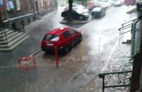 Deszcz na ul. 3 maja w Gdańsku
