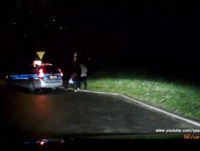 Zakaz zatrzymywania przed skrzyżowaniem nie obowiązuje policje