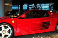 Range, Ferrari, Bentley. Ektrewagancka trójka