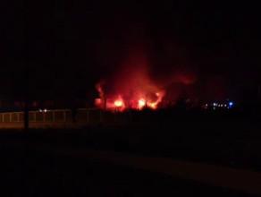 Pożar na złomowcu w Chwaszczynie