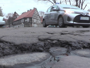 Dziury na drogach wokół pl. Wałowego