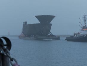 Przygotownie do rozładunku elementów kadłuba statku Remontowa Shipbuilding