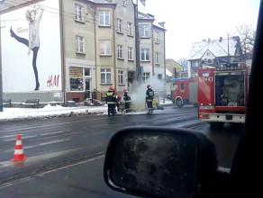 Płonący Seat Cordoba w Sopocie