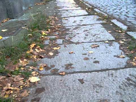 Fragment oryginalnego chodnika na Dolnym Mieście.