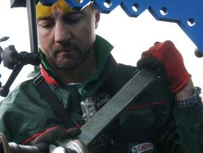 Jerzy Dudek w roli mechanika