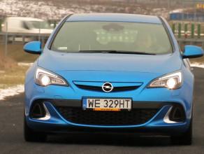 Opel Astra OPC. W dywizji najszybszych aut
