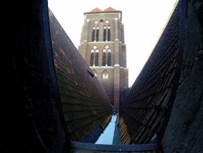 Fatalny stan dachu Bazyliki Mariackiej